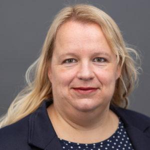 Zusehen ist Pfarrerin Dr. Friederike Erichsen-Wendt